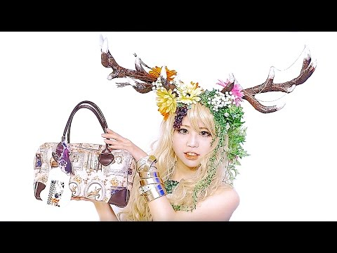 What's in my bag? with Japanese cosplayer SAYO|カバンの中身紹介 by コスプレイヤー小夜