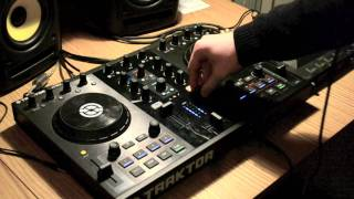 Caution DJ Mashup: Slam the Door and No Beef with the Traktor Kontrol S2