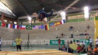 Dylon Lousberg Slackline Competition