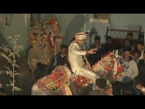 Funny video wedding dance Dulha    Dulha...
