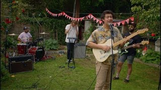 YouTube動画:Hobo Johnson - I Want A Dog (Live from London)