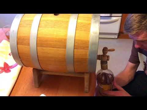 Слив 10 литровой бочки виски, после 8 месяцев выдержки