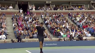 Classic Roger Federer lob vs. Sam Groth thumbnail