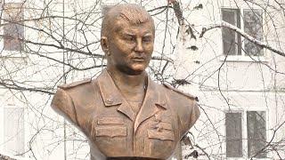 В Казани открыли памятник Герою России Марату Ахметшину, погибшему в Сирии