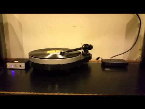 sonus-faber-venere-1.5-project-5.1-turntable