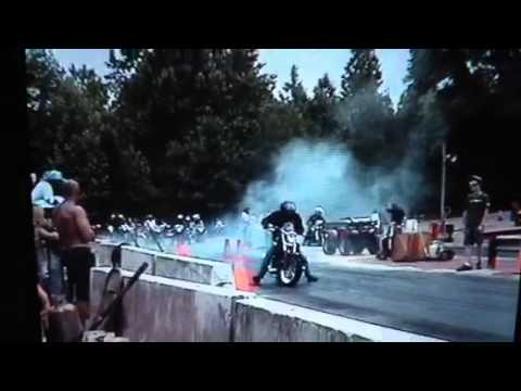 Vmax vs sport bike drag race