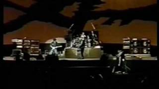 U2 1987-11-18 - Los Angeles - Help Bad pro-shot