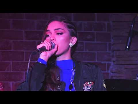 Andrea Valles in Concert (Concierto Intimo)