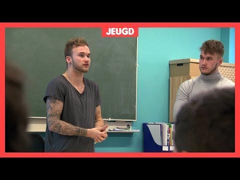 Jeroen en Sander geven les over kindermishandeling