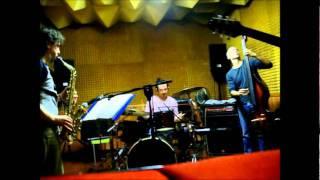 Jazz in the present tense Solsonics  Groove drum Emanuele Maniscalco Drum
