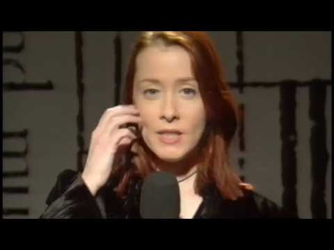Suzanne Vega - Tom's Diner (Live Acappella) (BBC TV 1994) Mp3