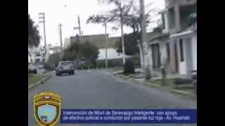 Serenazgo Víctor Larco H -Trujillo -Intervención con Policia Nacional a conductor que paso luz roja