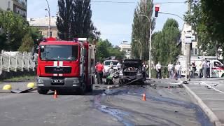 У Києві на вулиці Солом'янскій вибухнув автомобіль