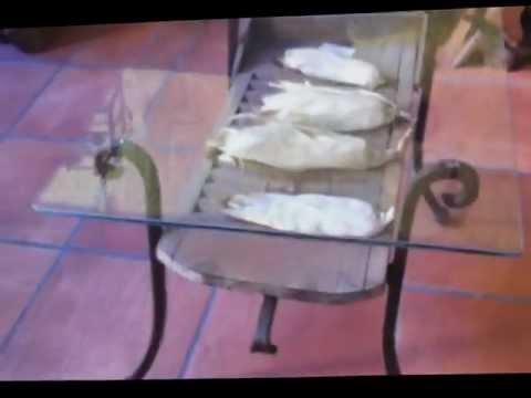 Mesa de centro de cristal y forja youtube for Patas de forja para mesas
