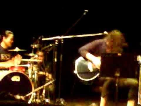 "雅-MIYAVI- - ""Japanese crazy guitar music style"" MIYAVIZM [LIVE 8.IV 2011. Budapest] b"