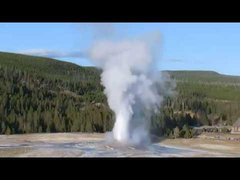 Hypnotic! Powerful Geysers @Yellowstone 11-12-2019