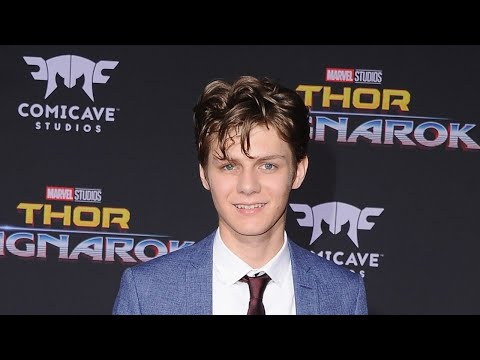 Download Youtube: Ty Simpkins Joins Cast of Fourth 'Avengers' Movie