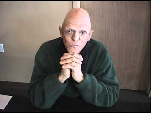 Slaughterhouse michael berryman The Hills Have Eyes - YouTube