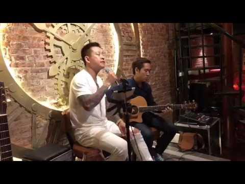 Ca sĩ Tuấn Hưng livestream trực tiếp, giao lưu văn nghệ tối thứ 2 đầu tuần, hát nghe cực phê