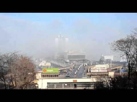 Канал новости  Одесса погружается в туман Туман окутывает морвокзал