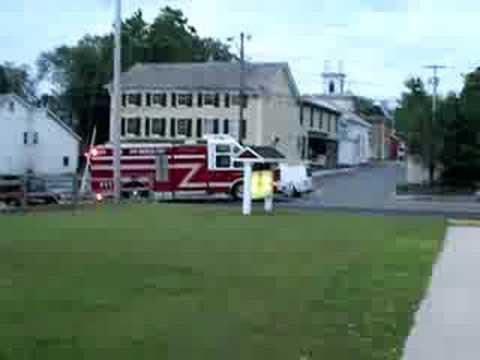 Montgomery R-222 responding to MVA on Albany Post Road