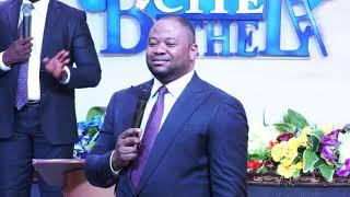 Past Moise Mbiye - Dominer dans le spirituel (prédication) part 1