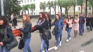 В Смоленске растянули 400-метровую Георгиевскую ленту