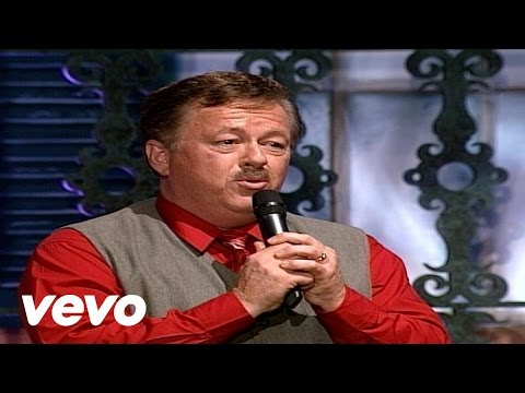 Bill & Gloria Gaither - When I Survey the Wondrous Cross [Live]