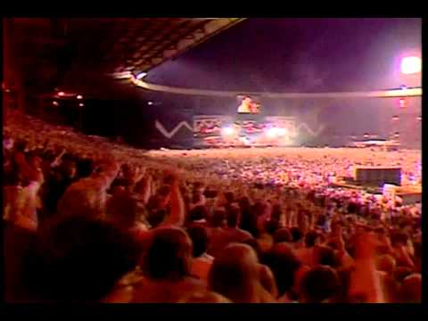 QueenWe Are The Champions (HQ) (Live At Wembley 86)