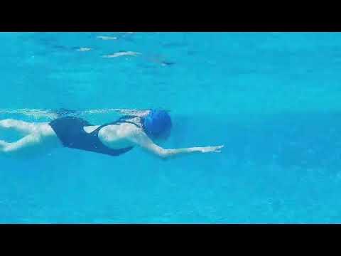 Thử máy Samsung Galaxy S7 Active quay dưới nước