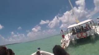 Speedboat + Catamaran @ Île aux cerfs (Mauritius Island)