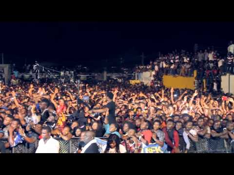 THE TREK 2014 - DAVIDO PERFORMS ALL OF YOU AND SHUTS DOWN BENIN CITY