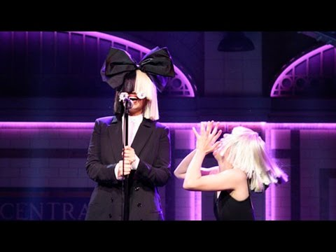 Sia Stuns SNL Stage With