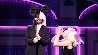 "Sia Stuns SNL Stage With ""Alive"" & ""Bird Set Free"" Performances!"