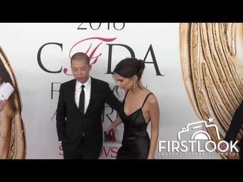 Emily Ratajkowski at the 2016 CFDA Fashion Awards thumbnail