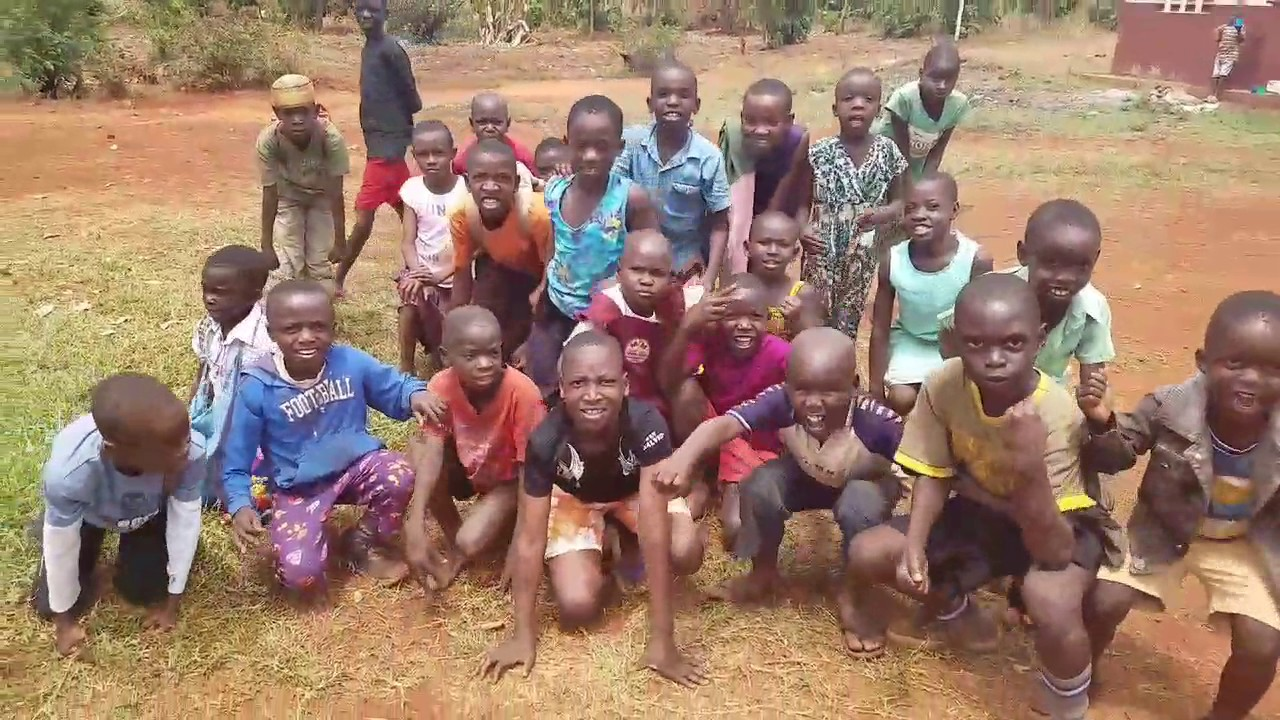 Ugandan children - YouTube
