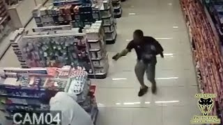 Video Off Duty Cop Holding His Son Takes Out Robbers | Active Self Protection download MP3, 3GP, MP4, WEBM, AVI, FLV November 2017