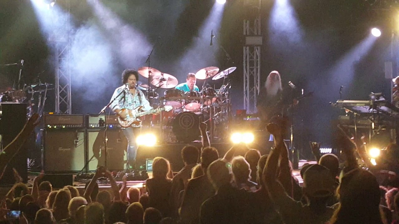 TOTO - New York, Manhattan, The Town Hall - 2016 - YouTube