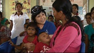 国連WFP協会親善大使の竹下景子さんが2016年5月にスリランカを訪問し、...