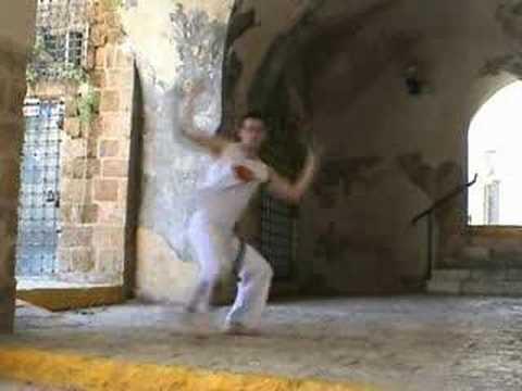 Armada, Capoeira technique from the Akban-wiki
