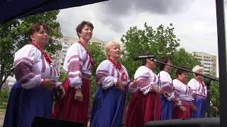 """Пісня """"Жінки бувають різні"""", ансамбль """"Вербиченька"""" на фестивалі """"Всесвітній день матері"""""""