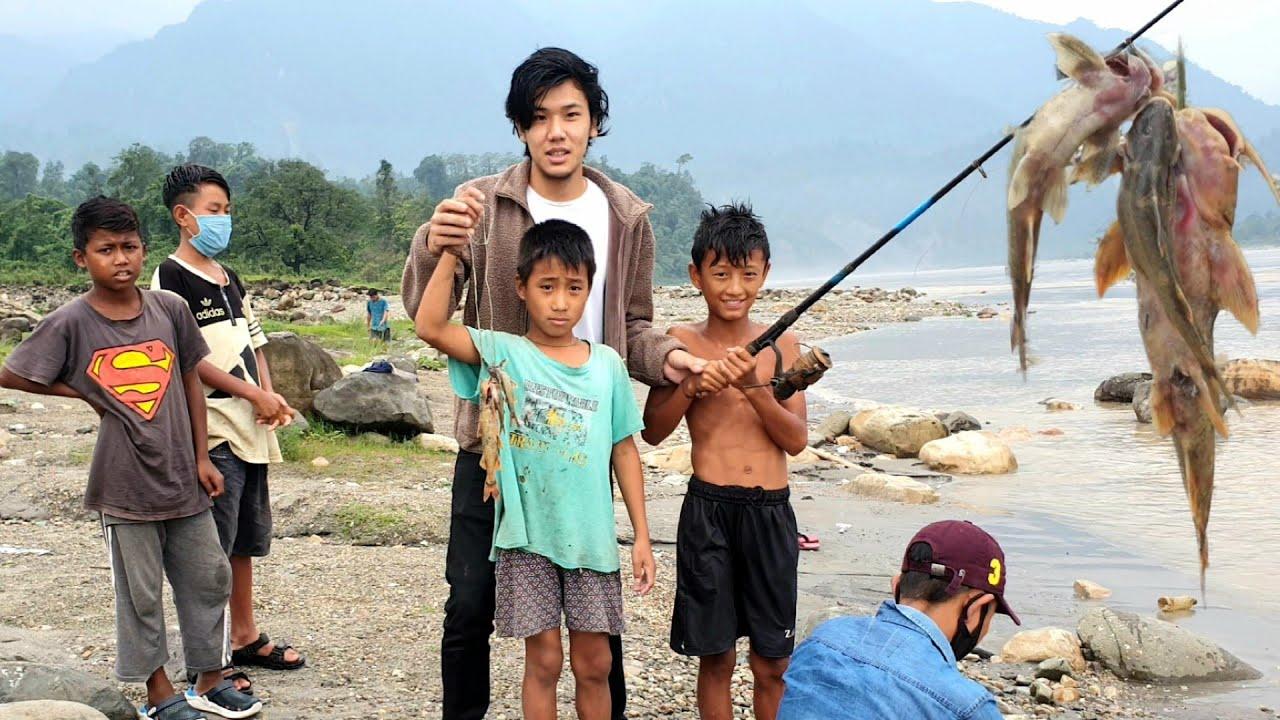 Fishing with Local Kids from Pasighat 🔥🐠🐟🔥| Arunachal Pradesh | NorthEast India | Lenzing Weekly