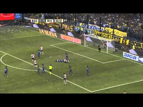 Lujo de D'Alessandro sobre Lodeiro. Boca 0 - River 0. Fecha 12. Primera División 2016.
