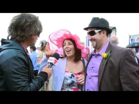 Deano gets messy with punters at Melbourne Cup 2011