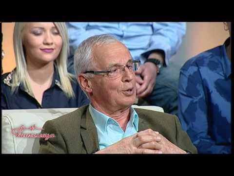 Cirilica-Aleksandar Vucic sa roditeljima.Premijer,prvi put - sasvim privatno!(TV Happy 30.03.2017)
