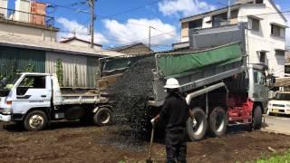 空き地に砕石を敷いて駐車場にする工事です。茨城県日立市 砂利 thumbnail