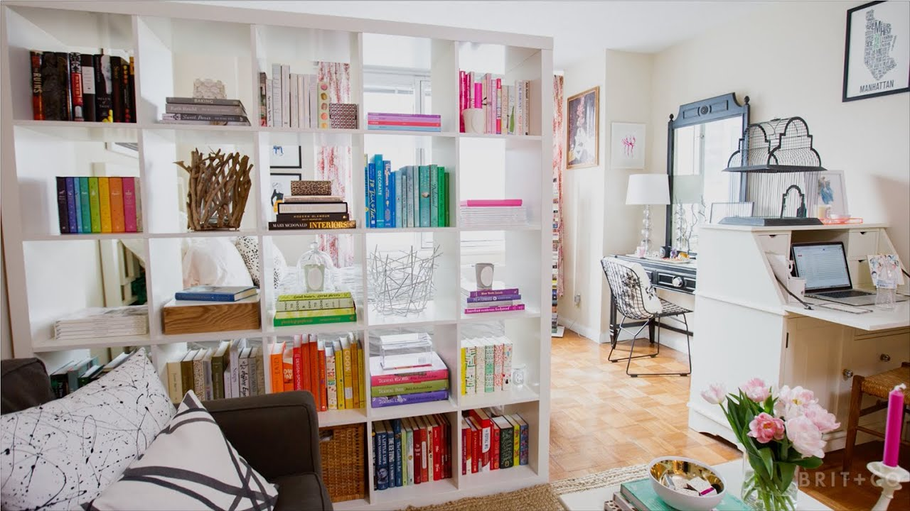Tiny Spaces A Book Lover S Chic Manhattan Studio Youtube