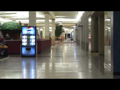 The Marion Southland Mall (Marion Centre) is nearly empty