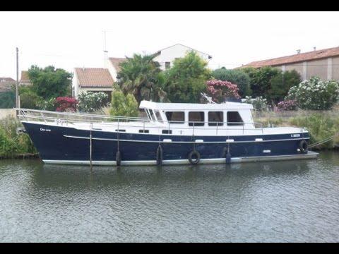 bateau de peche habitable