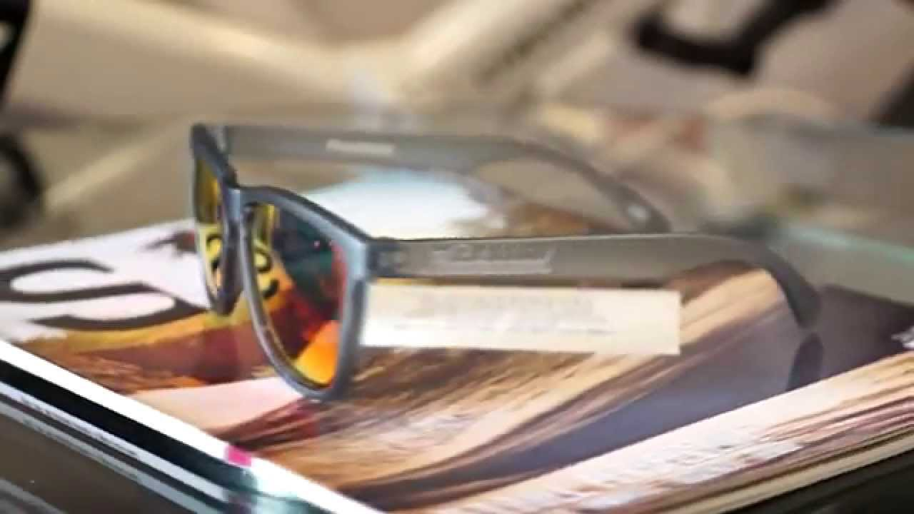 4d8abe9e00 แว่นตา Knockaround Frosted Grey   Red Sunset Classic Premium - YouTube
